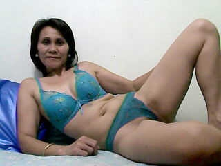 profile SweetBusty is currently Live Free Chat