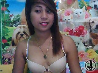 profile Zabrinna22 is currently Live Free Call