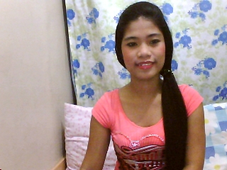 profile ChansyMhae is currently Live Free Visit