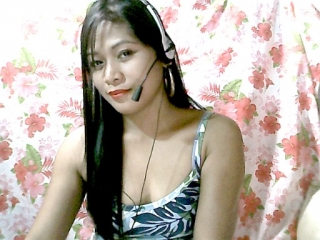 profile hottieAlyanaxxx is currently Live Free Chat
