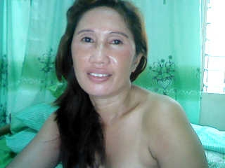 profile wildkinkyhotmom is currently Live Free Call