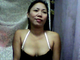 profile xxrosepetalxx is currently Live Free Visit